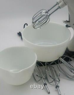 Vintage Sunbeam Mixmaster Two Size Bowls & 4 Sets Of Beaters 12 Speed