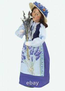 2020 Byers Choice Lavender Couple Man & Woman Beautiful Set Of Two Spring Pieces