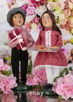 2021 Byers Choice Valentine Couple Boy & Girl Hearts Love Red Cookies Ensemble De Deux