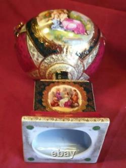 Ancienne Vieille Paire De Porcelaine Ancienne De Deux 2 Urns Vases Ensemble Royal Old Vienna