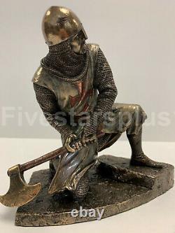 Deux Chevaliers Templiers Sur Les Escaliers Death Match Battle Statue Sculpture Ensemble De Deux