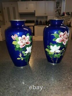 Vases Antiques Japonais De Rose Florale De Cloisonne Bleu Cobalt Rare, Ensemble De Deux