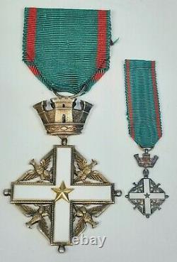 Vers 1960 République Italienne Ordre Du Mérite Commandant Croix Jeu De Médailles De Deux Pièces